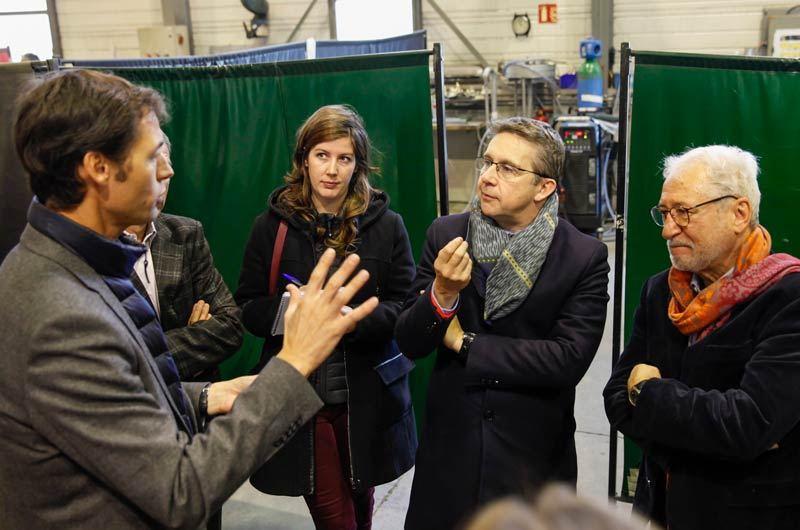 Mathieu Lefebvre, pdg de Waga Energy, en conversation avec Christophe Ferrari (au centre) et Georges Oudjaoudi.